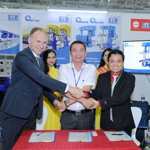 Công ty Hùng Vân lần thứ 6 tham gia triển lãm ngành sơn và mực in Expo 2019
